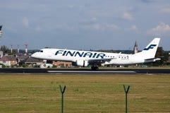 Finnair flygplanlandning arkivbild
