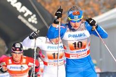 Finnischer Skifahrer Kylloenen im Mailand-Rennen in der Stadt stockbilder