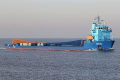 Finnisches Schiff MERI des speziellen Zweckes auf dem Fluss Elbe Lizenzfreie Stockfotografie