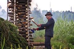 Finnland: Mittleres Sommerfeuer Lizenzfreies Stockbild
