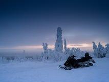 Finnland-Schneemobil fahrung Lizenzfreies Stockbild