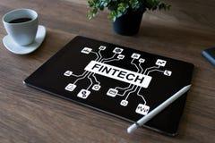 FIntech - finansiell teknologi, internetbetalning och digitalt pengarbegrepp arkivfoton