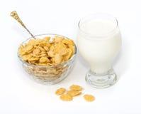 Fiocchi di granturco con latte Fotografia Stock