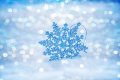 Fiocchi di neve astratti Defocused sul bokeh della neve Immagini Stock Libere da Diritti