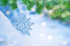 Fiocchi di neve astratti Defocused sul bokeh della neve Fotografie Stock