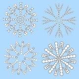 Fiocchi di neve bianchi su priorità bassa blu Immagine Stock