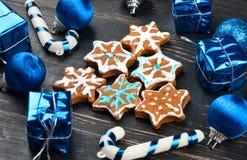 Fiocchi di neve del pan di zenzero di Natale Immagine Stock Libera da Diritti