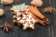 Fiocchi di neve del pan di zenzero di Natale Fotografia Stock