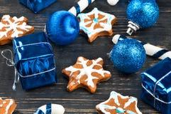 Fiocchi di neve del pan di zenzero di Natale Fotografie Stock
