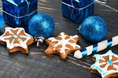 Fiocchi di neve del pan di zenzero di Natale Immagini Stock