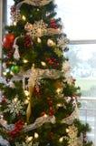 Fiocchi di neve dell'albero di Natale Fotografie Stock Libere da Diritti