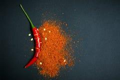 Fiocchi rossi del peperoncino rosso e del peperoncino immagine stock