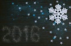 Fiocco di neve bianco su fondo di legno marrone Fotografie Stock Libere da Diritti