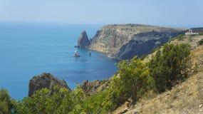 Fiolent-cabo na península de Heraclea na costa do sudoeste de Crimeia, no distrito de Balaklava de Sevastopol imagem de stock