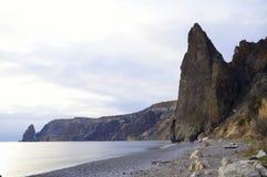 Накидка Fiolent Чёрное море Предыдущая весна стоковое изображение rf