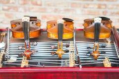 Fioler och cimbalom Arkivbild