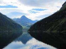 Fiord in Noorwegen Royalty-vrije Stock Foto's