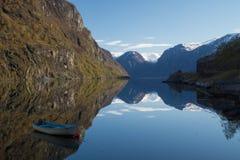 Fiord van Aurland, Flam, Noorwegen stock afbeeldingen