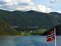 Fiordes de Noruega de um barco Imagem de Stock