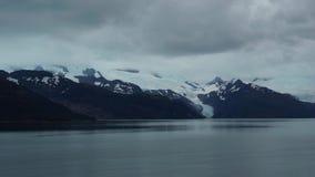 Fiordi del Cile che passano con la nave da crociera archivi video