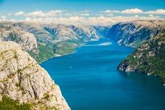 Fiordi della Norvegia - Lysefjord Immagini Stock