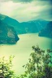 Fiordo de Aurland del punto de opinión de Stegastein, Noruega Imagenes de archivo