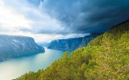 Fiordo de Aurland del punto de opinión de Stegastein, Noruega Fotos de archivo