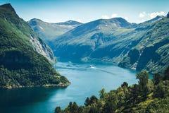 Fiordo de Geiranger en Noruega Foto de archivo