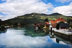 Fiordo della Norvegia scenico di estate Fotografia Stock