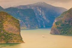 Fiordo di Aurland dal punto di vista di Stegastein, Norvegia Fotografia Stock