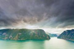 Fiordo di Aurland dal punto di vista di Stegastein, Norvegia Immagine Stock Libera da Diritti