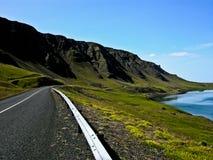 Fiordo en Islandia Fotos de archivo
