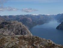 Fiordo en Noruega Fotos de archivo