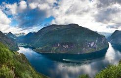 Fiordo noruego hermoso Fotografía de archivo libre de regalías