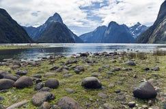 Fiordos de Nueva Zelandia del sonido de Milford Fotos de archivo libres de regalías