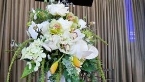 Fiore & candela usati per un funerale immagini stock