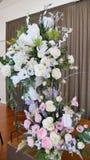 Fiore & candela usati per un funerale immagine stock libera da diritti