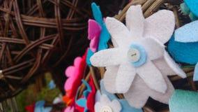 Fiore del feltro di bianco fatto dai bambini fotografia stock