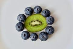 Fiore della frutta sulla tavola bianca Immagini Stock Libere da Diritti