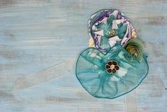 Fiore di carta e corpetto del nastro Fotografie Stock