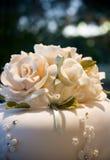 Fiore di Iceing della torta di cerimonia nuziale Fotografia Stock Libera da Diritti