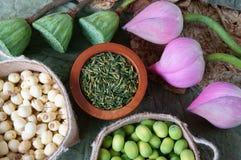 Fiore di loto della raccolta, seme, tè, alimento sano Immagine Stock Libera da Diritti