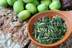 Fiore di loto della raccolta, seme, tè, alimento sano Fotografia Stock