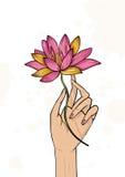 Fiore di loto della tenuta della mano Illustrazione disegnata a mano variopinta yoga, meditazione, svegliante simbolo illustrazione di stock