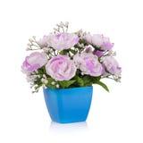 Fiore di plastica per la decorazione su fondo bianco Fotografia Stock Libera da Diritti