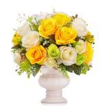Fiore di plastica per la decorazione su fondo bianco Immagine Stock