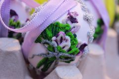 fiore di scintillio dell'uovo di Pasqua Fotografie Stock Libere da Diritti