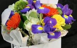 Fiore e candela usati per un funerale immagine stock