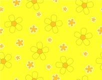 Fiore e mini fiore di dimensione su giallo Fotografia Stock Libera da Diritti