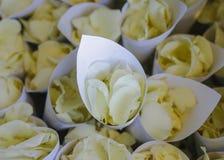 Fiore nella regolazione di nozze Immagine Stock